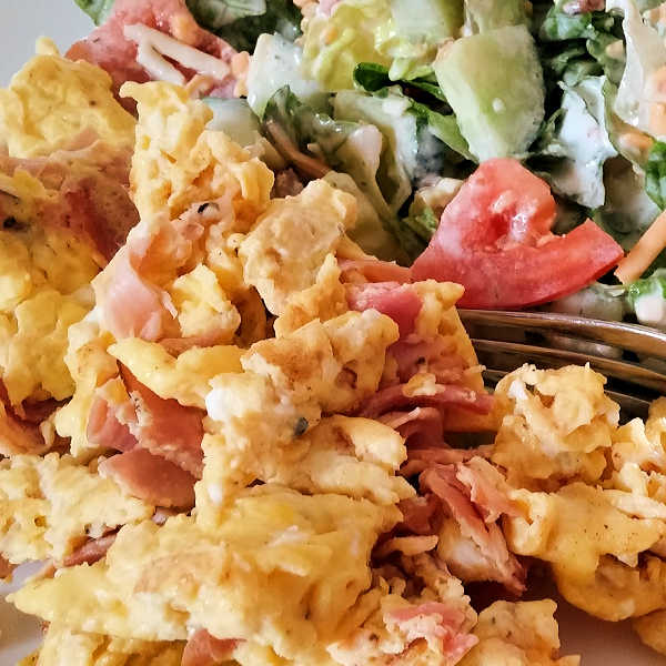 Scrambled Eggs Recipe with Black Forest Ham