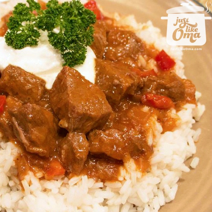 ❤️ Want to learn how to make goulash the German way? Click here to see how Anna does it!  https://www.quick-german-recipes.com/german-goulash.html #goulash #slowcookerrecipe #germangoulash