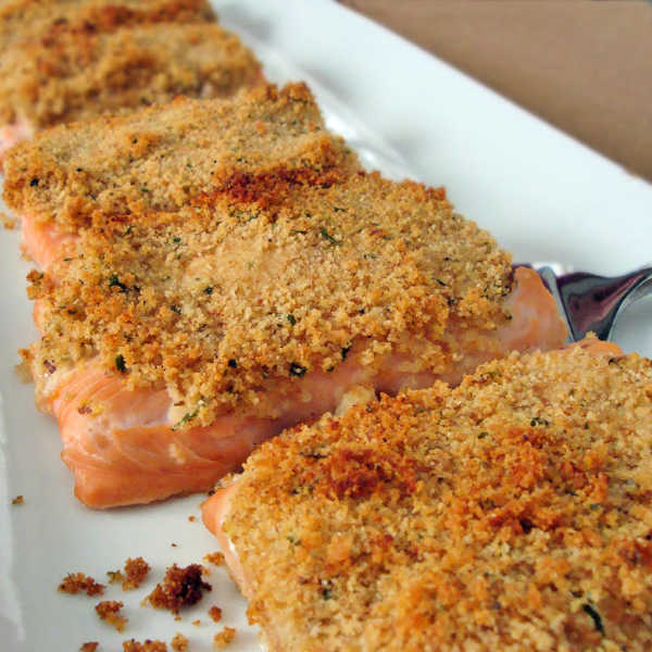Make these delicious salmon fillets next time you're craving a yummy dinner that's easy and healthy.
