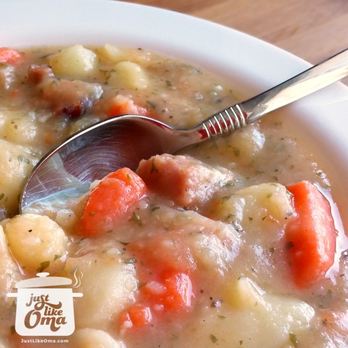 ❤️ Easy Potato Soup Recipe  -- a traditional German favorite made just like Oma! https://www.quick-german-recipes.com/chunky-potato-soup.html  #justlikeoma #potatosoup #germanrecipe