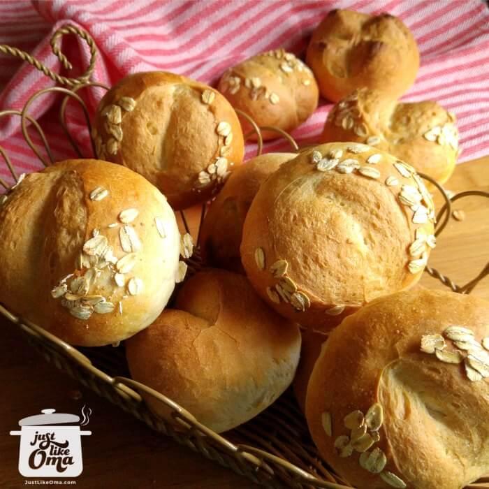 ❤️ German Brötchen ~ Bread Rolls are so wunderbar!  https://www.quick-german-recipes.com/bread-rolls-recipe.html and then make a batch! #germanrecipes #justlikeoma #germanbread