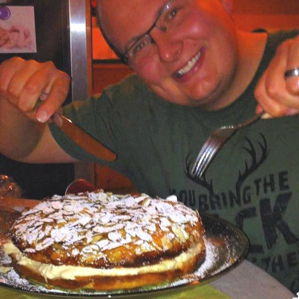 Heide's Bienenstich (Bee Sting Cake)