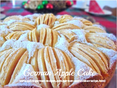 Versunkener Apfelkuchen, a traditional German apple cake all decked out for Christmas. Wunderbar!