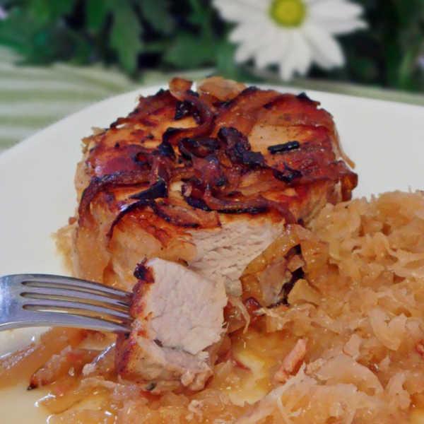 Oma's Pork Chops with Sauerkraut ~ Schweinekoteletts mit Sauerkraut