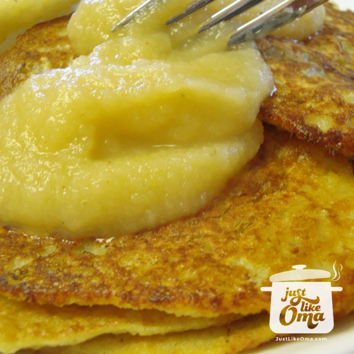 Oma's German potato pancakes, done the easy way, in a blender ❤️ Recipe: https://www.quick-german-recipes.com/german-potato-pancake-recipe.html