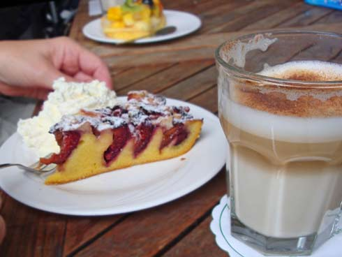 plum cake with cappuccino
