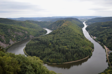 Get a stunning view of the beautiful Saarschleife from the treetop walk!