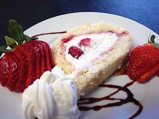 cream roll with strawberries