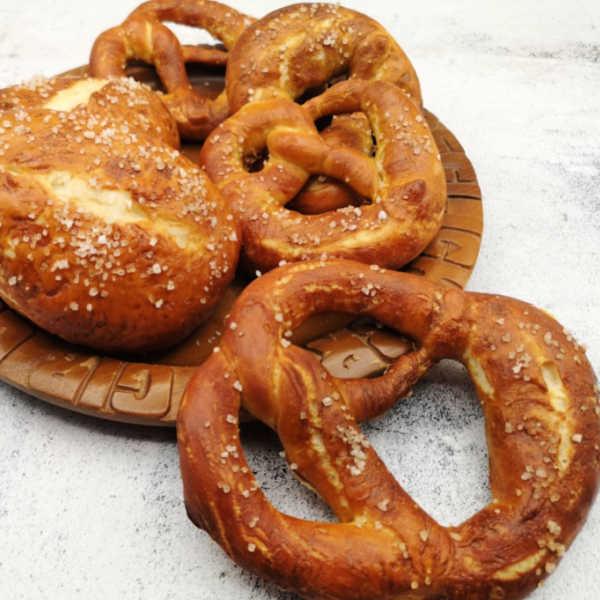 German Pretzel Recipe (without lye) ~ Oma's Soft Bavarian Laugenbrezel