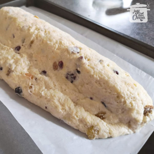 German Quark Stollen: ready for the oven ❤️ #stollen #christmas #germanrecipes #justlikeoma https://www.quick-german-recipes.com/christmas-stollen-recipe.html