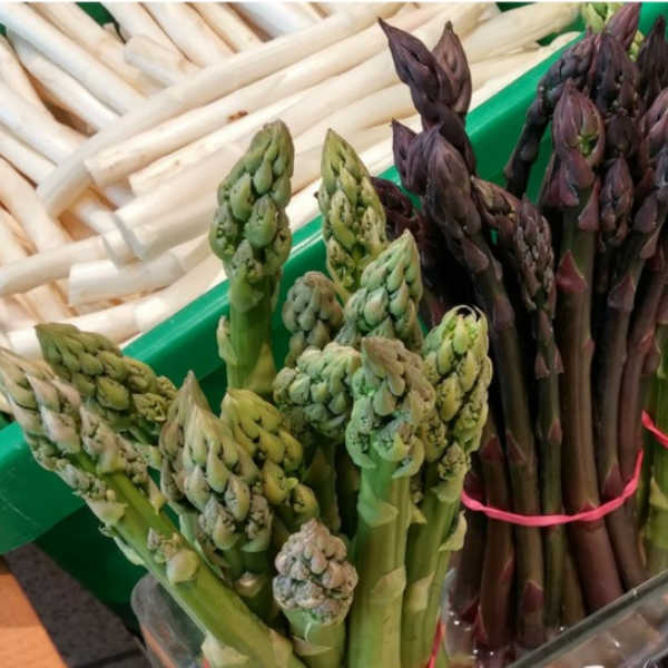 You can find white, green, and purple asparagus in Germany.