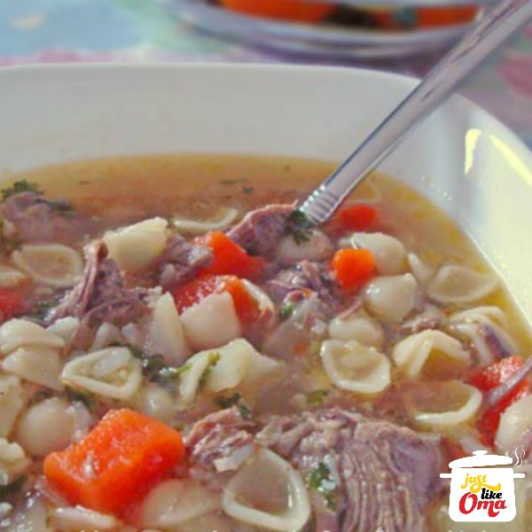❤️ Beef noodle (or pasta) soup is an all-time favorite among kids and adults alike. https://www.quick-german-recipes.com/beef-noodle-soup.html #beefnoodlesoup #justlikeoma #germanrecipe
