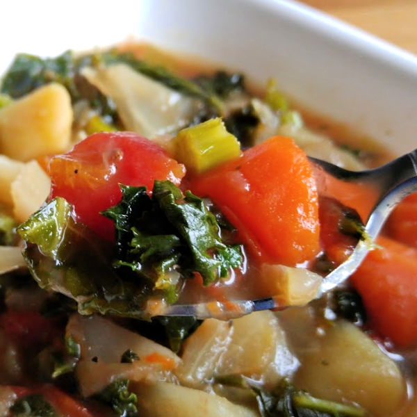 Looking for a really GOOD cabbage diet soup? This one has some additions that make it rock