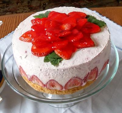 Strawberry Yogurt Cream Torte