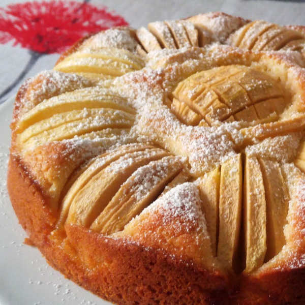 Traditional German Apple Cake that's so quick and easy to make.
