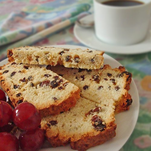 Königskuchen - traditional holiday non-yeast fruit cake