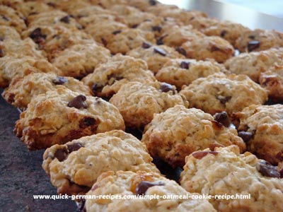 Haferflockenplätzschen - simple oatmeal cookie recipe