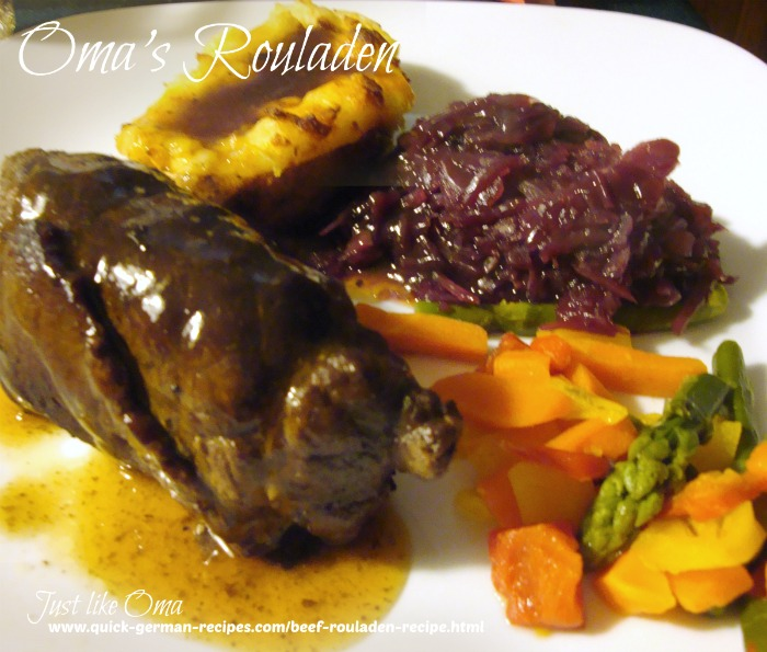 Rouladen with gravy and red cabbage