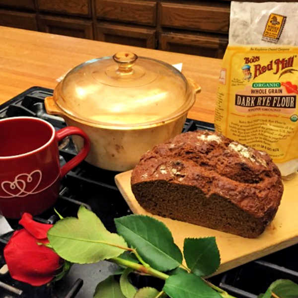 Holly's Rye Bread❤️ Holly's Rye Bread is such an easy recipe to make ... is just takes a bit of time to rest ... and soon you'll be enjoying German-style Rye bread.