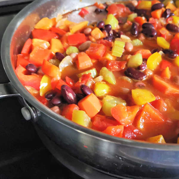 ❤️ Delicious! Chili! Vegan! Yummy! Even your none vegan friends will like this.